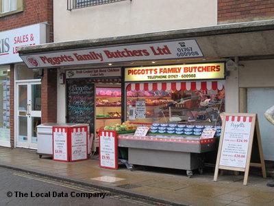 Piggotts of Biggleswade shopfront